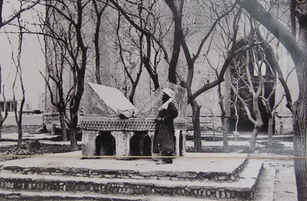 Oude foto van de Bibi-Khanym Moskee
