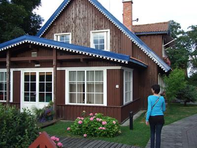 De Koerse schoorwal: houten huis in het Litouwse gedeelte