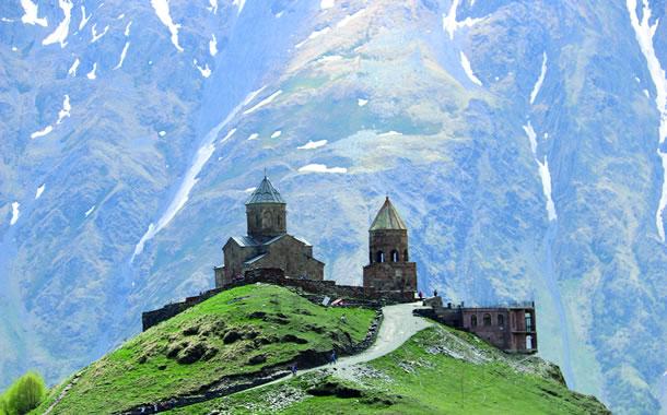 het Gergeti-kerkje bij Stepantsminda