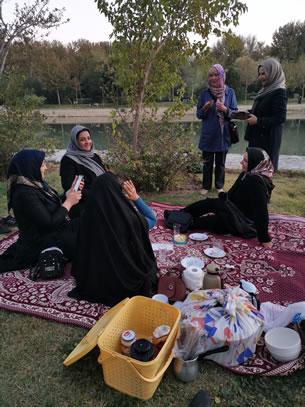Isfahan in gesprek met … (foto: Ank & René)
