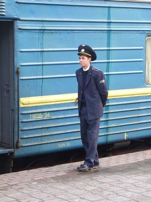 Met de trein door Oekraïne: provodnik (foto: Blini Reizen)