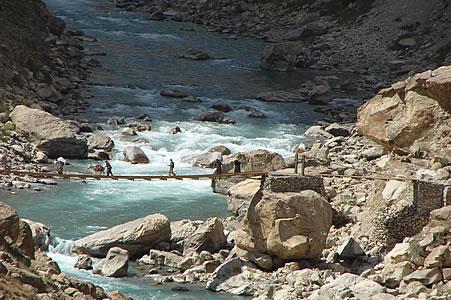 Tadzjikistan: dit is NIET de brug van de markt bij Ishkashim tussen Tadzjikistan en Afghanistan