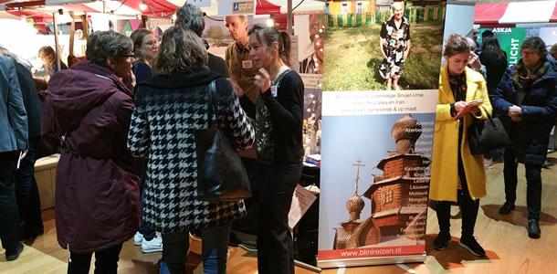 Beurs van Berlage Amsterdam: Martine in gesprek met klanten