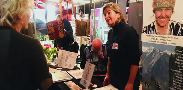 Beurs van Berlage Amsterdam: Astrid in gesprek met bezoekers