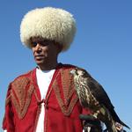 Viering van Navruz in Turkmenistan: valkenier